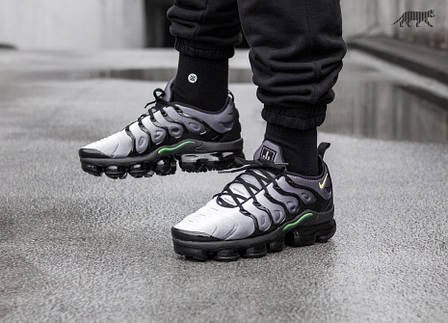 Кроссовки Nike Air Vapormax Plus (Black   Volt – White) - купить по ... aa13c439c8ddd