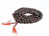 Четки из ценных пород дерева и камней + красная нить в подарок каждому покупателю