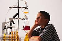 Как заинтересовать ребенка изучать химию