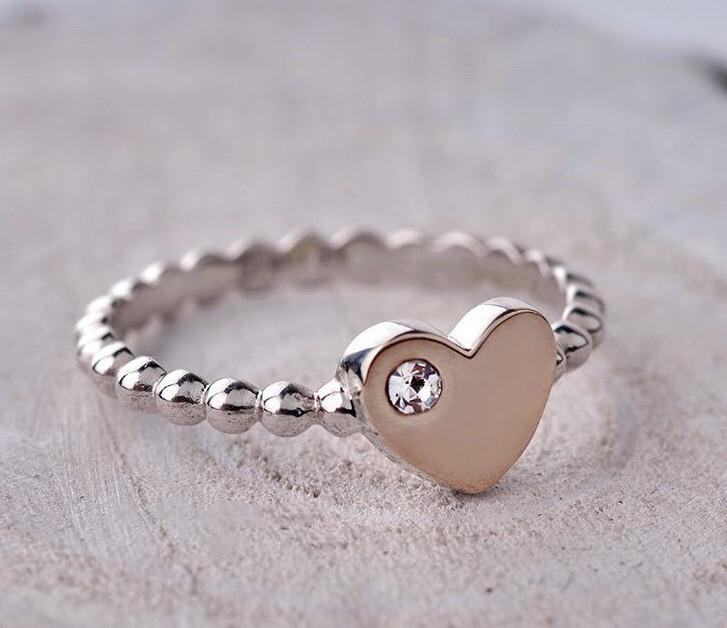 Кольцо из серебра с камнем Swarovski