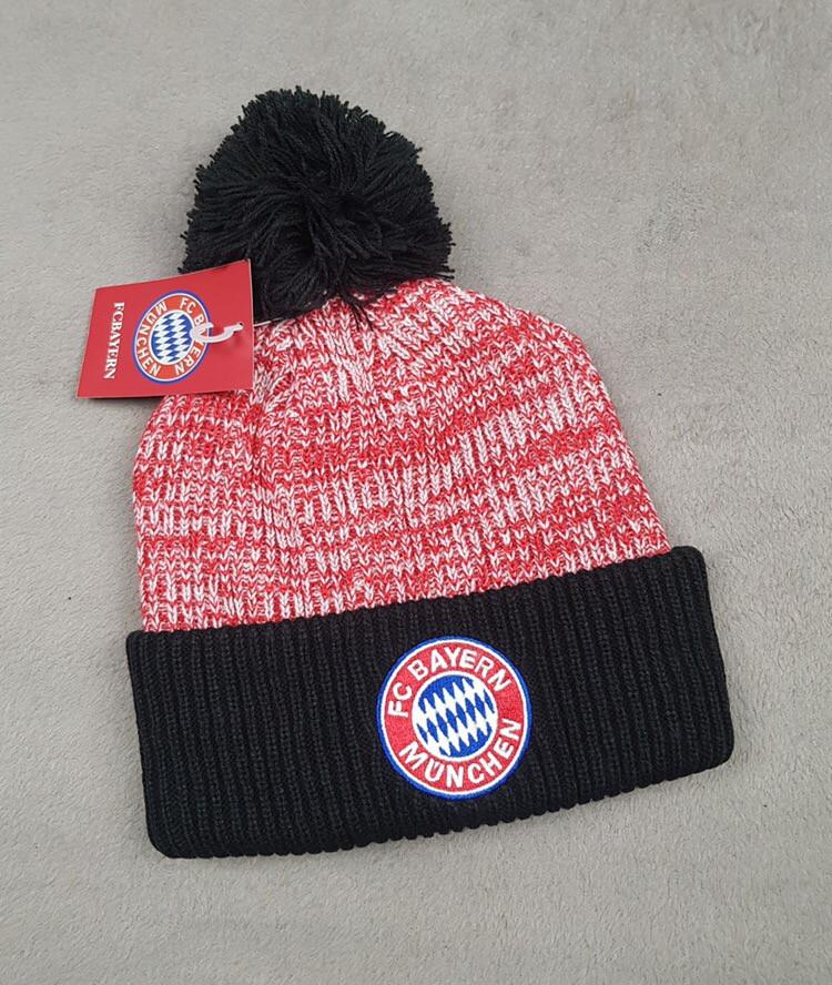 Зимняя шапка Бавария Мюнхен красная