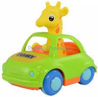 Жираф в кабриолете