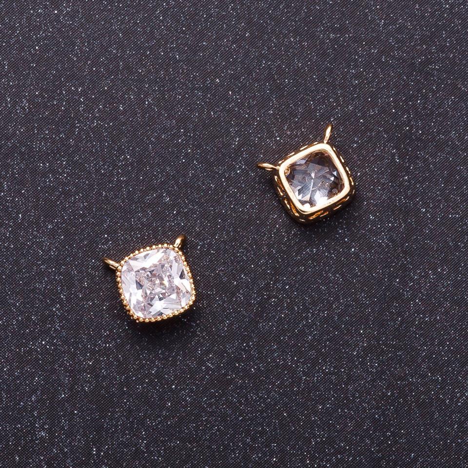Кулон Квадрат с белым кристаллом d-7мм желтый металл