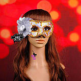 "Шикарная белая маска ""Ренессанс""5226 с цветком реклама, фото 4"