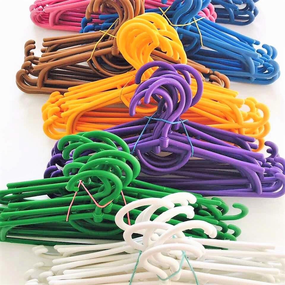 Детские плечики вешалки пластиковые цветные 31 см