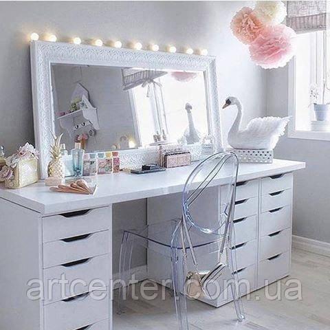 Туалетный стол тремя тумбами и ручками вырезами, стол для макияжа без зеркала