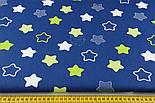 """Лоскут ткани хлопковая """"Звёзды-пряники с зигзагами"""" салатовые на синем  № 1340, фото 4"""