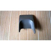Заглушка блока реле, панелька пластикова Nissan Primastar 8200125567 2001-2014гг