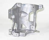Кронштейн компрессора (насоса) кондиционера Nissan Leaf ZE0 (10-13) 11910-3NA0A, фото 1