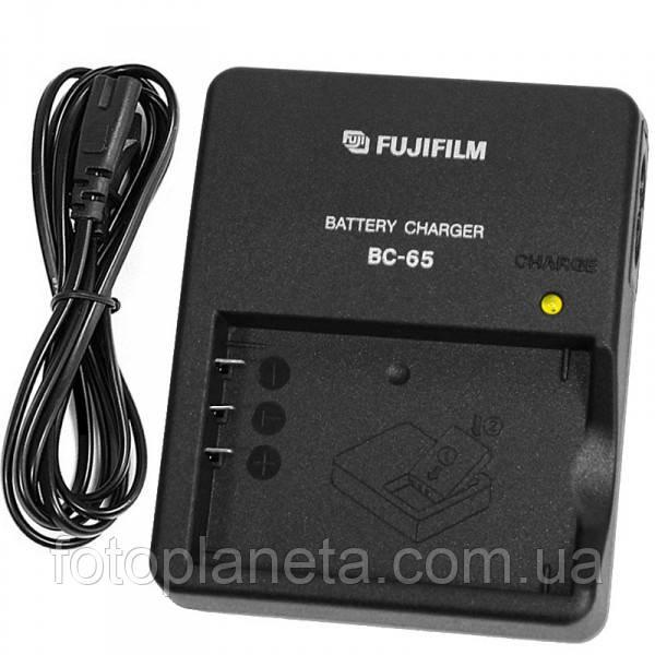 Зарядное устройство для фотоаппарата Fujifilm BC-65 BC65 для аккумуляторов NP-30, NP-60, NP-120 зарядка