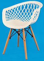 Кресло Viko белое 07, Модное дизайнерское кресло Eames на буковых ножках