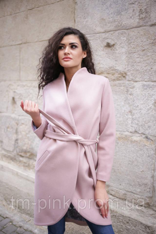 Не варто віддавати перевагу верхньому одязі прямого крою або oversize  моделям. ШТАНИ І СПІДНИЦІ 10fba3aa0561d