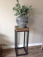 Столик-подставка в стиле лофт