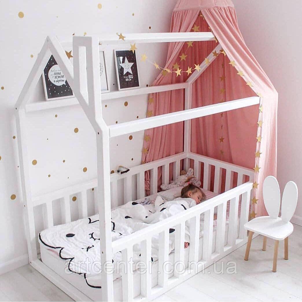 Кроватка-домик напольная с дымоходом, белого цвета