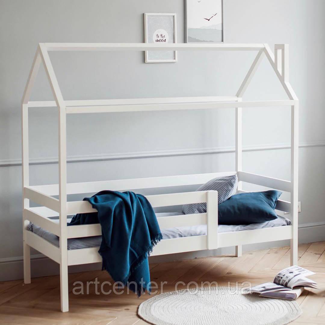 Кроватка-домик белого цвета в скандинавском стиле