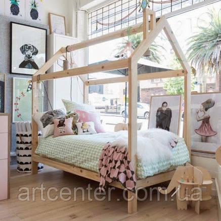 Кроватка-домик из массива сосны/ясеня