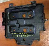 Крепление под аккумулятор (корпус/подставка)  Hyundai Getz 371501C1000
