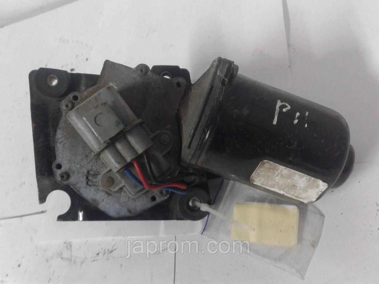 Моторчик стеклоочистителя дворников Nissan Primera P11