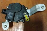 Привод замка багажника / Активатор  Hyundai Getz 957501C000