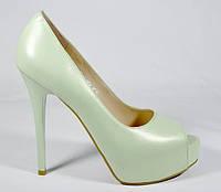 Туфли женские нежно-зеленые Magnori на каблуке