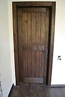 Дверь классическая с cостаренной текстурой