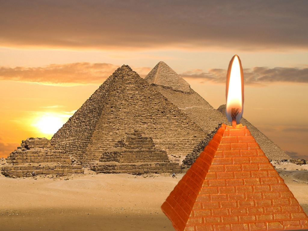 Свеча пирамида 6 х 6 см