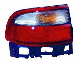 Фонарь левый Toyota Carina E 92-97 SDN внешний бело-красный (DEPO). 212-1972L-U