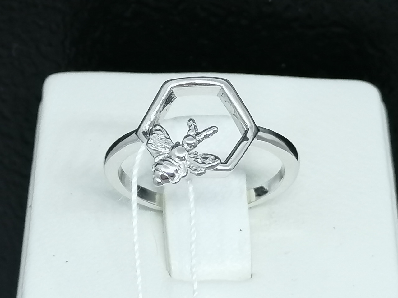 Серебряное кольцо Пчелка. Артикул КК2/1039 15,5