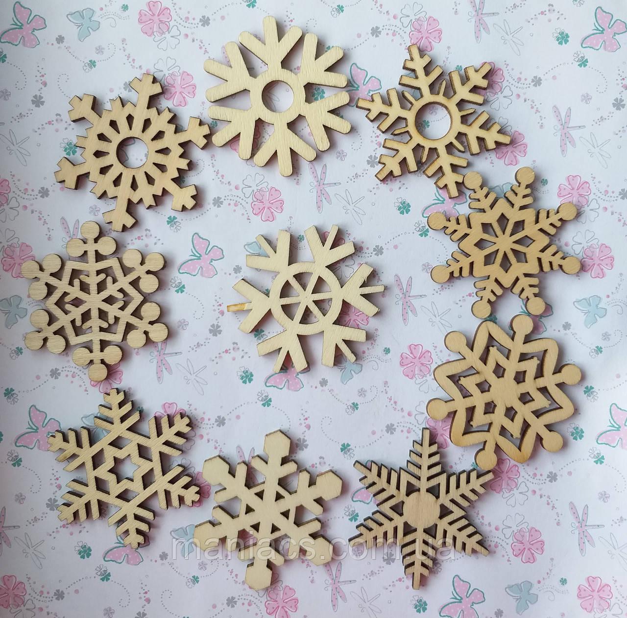 Деревянная заготовка- подвеска Снежинка