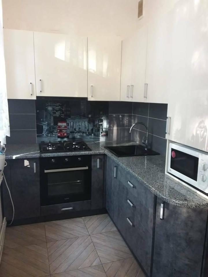 кухни темный бетон