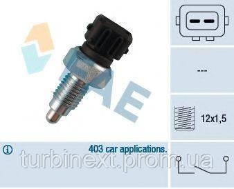 Датчик включения заднего хода VW T4 -03/Caddy II 95-04 (M12x1.5) FAE 40660