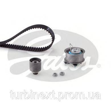 Комплект ГРМ GATES K055569XS VW Caddy/VW T5 03- (120x30)