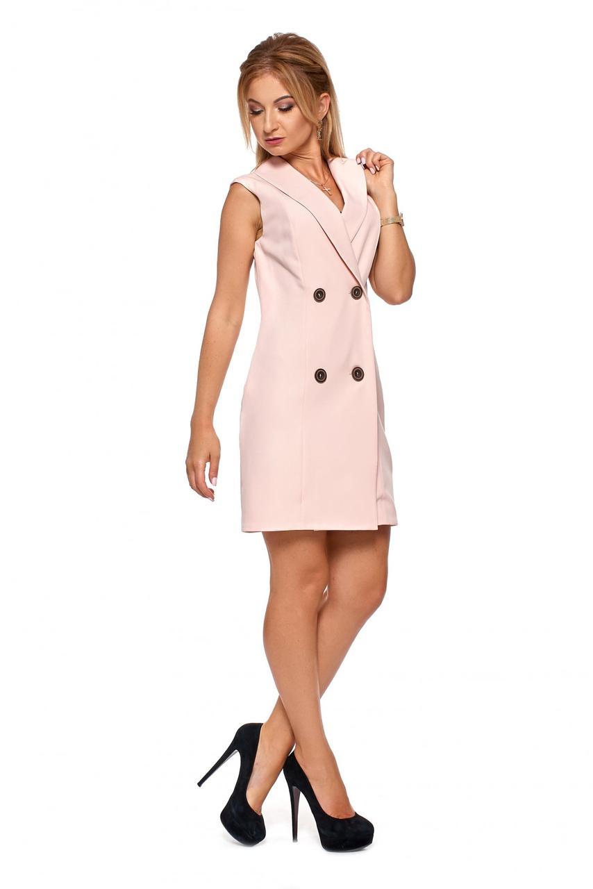 Короткое деловое платье, выполненное в виде двубортного жакета, на пуговицах