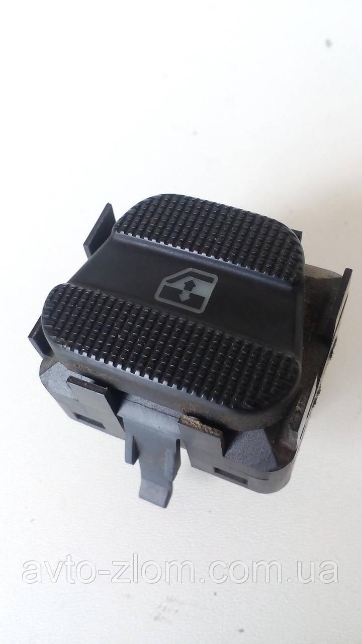 Кнопка стеклоподъемника правая, задняя Volkswagen Golf 3, Vento, Гольф 3, Венто. 1H0959855C.