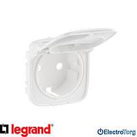 Лицевая панель силовой розетки с заземлением и крышкой белая Valena ALLURE Legrand