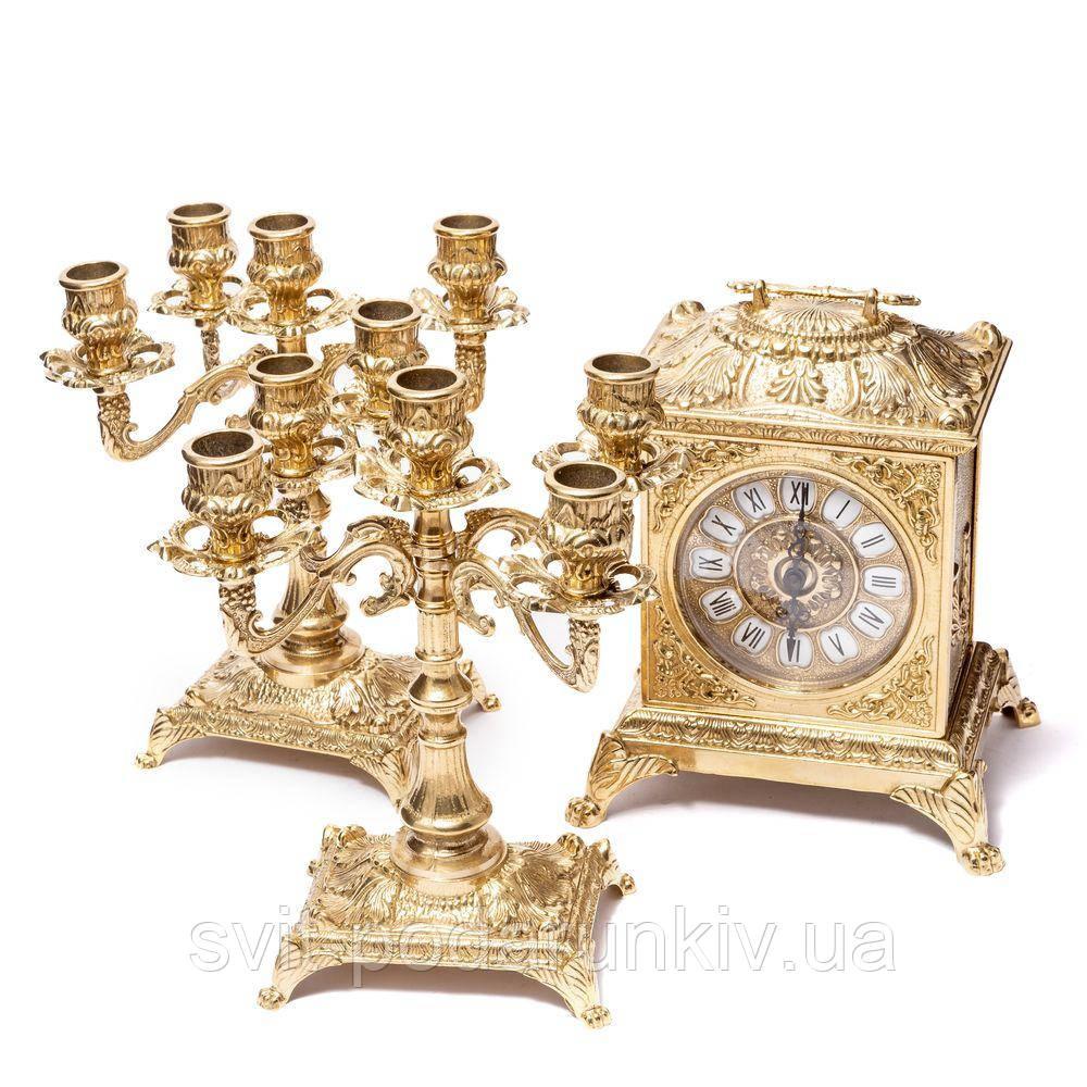 каминные часы и канделябры