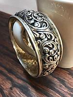 Какое кольцо подарить любительнице массивных украшений?