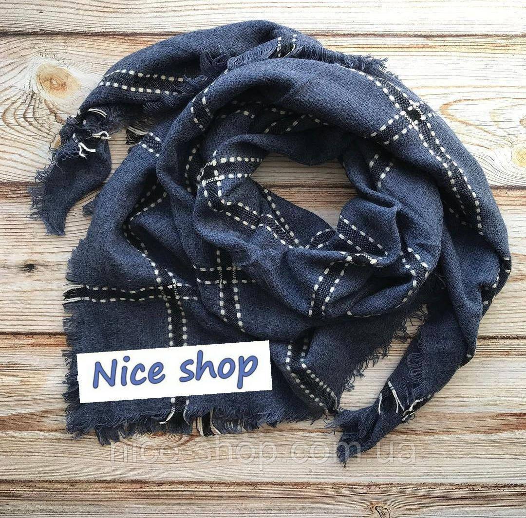 Стильный шерстяной платок