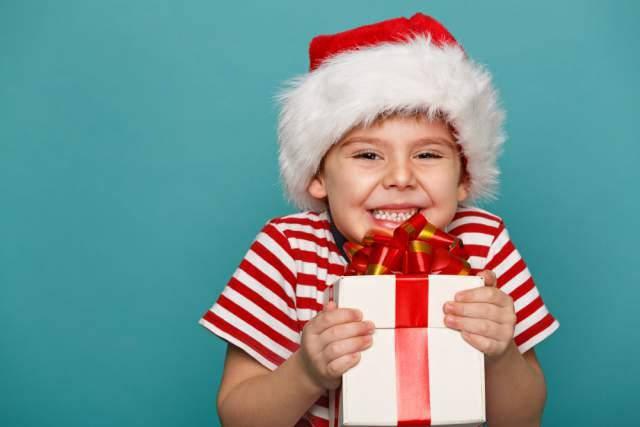 Что подарить крестнику на Рождество?