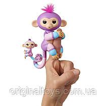 Интерактивная ручная обезьянка Fingerlings Вайолет с малышом Хоуп WowWee