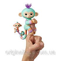 Интерактивная ручная обезьянка Fingerlings Денни с малышом Джанна WowWee