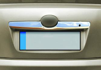 Накладка над номером (нерж) - Toyota Camry 2007-2013 гг.
