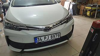 Накладки на решетку радиатора (2017+, нерж.) - Toyota Corolla 2013+ гг.