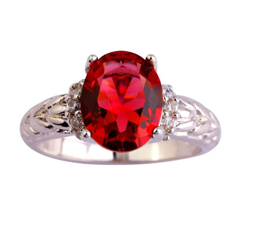 Серебряное кольцо, Кристалл, с камнем красный куб. цирконий, размер 18