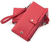 Кожаный яркий  кошелёк с ремешком на руку и отделением на молнии  красного  цвета ST