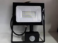 Светодиодный Led Прожектор Lemanso LMPS37 30W с датчиком движения 220V 6500K IP65