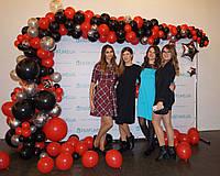 Фотозона из шаров для фотосессии Красная с черным