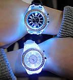 Часы женские светящиеся со стразами кварцевые белые, фото 7