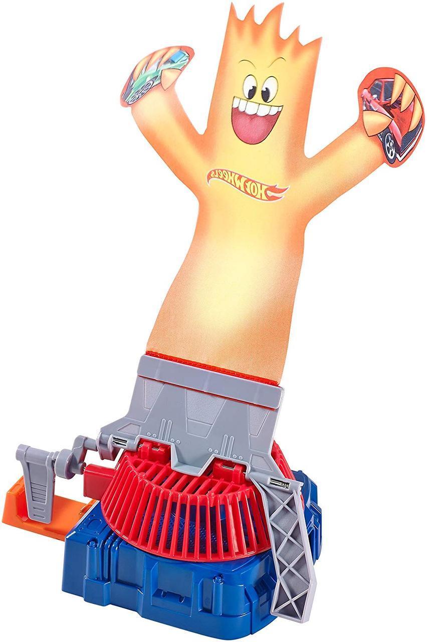 Трековый набор Хот Вилс огненный человечек Hot Wheels Track Builder Fan Man