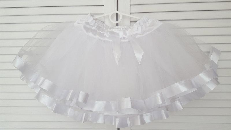 Пышная белая  юбка-пачка с атласными лентами   для девочки